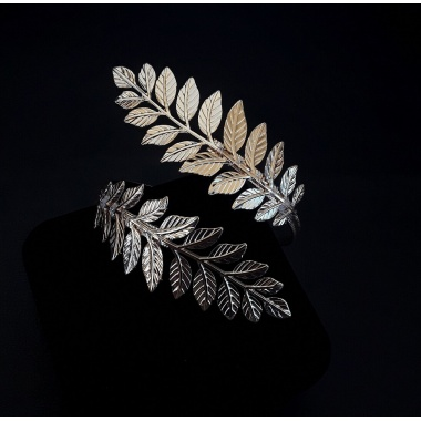 Daphne's Laurel Leaf Bracelet (Gold Version)