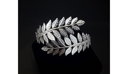Daphne\'s Laurel Leaf Bracelet (Silver Version)