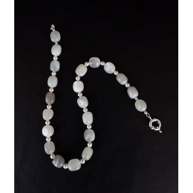 White Pearl, the high-class charm necklace made by DeMar.