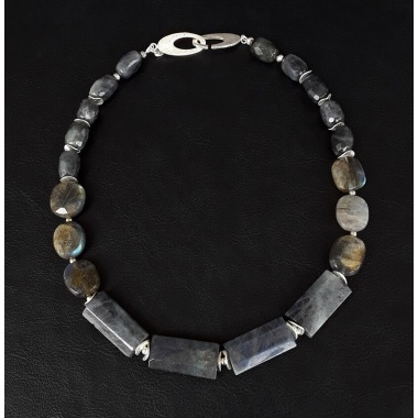 The Hestia Labradorite Healing Necklace
