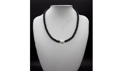 The Black Tourmaline Pearl Choker Necklace